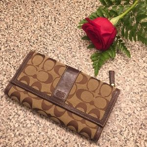 🌻COACH wallet with compartments classic LOGO
